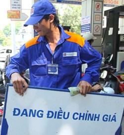 Giá xăng dầu bất ngờ giảm từ 13h hôm nay