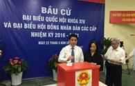 Chủ tịch UBND TP Nguyễn Đức Chung đi bầu cử từ sáng sớm