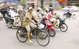 """Khuyến khích xe đạp tại Hà Nội, tham vọng biến """"gia vị"""" thành món chính?"""