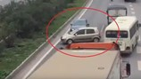 3 ôtô rủ nhau quay đầu, đi ngược chiều cao tốc Hà Nội - Bắc Giang