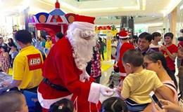 """""""Hốt bạc"""" dịch vụ ông già Noel tặng quà Giáng sinh"""