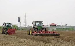 """""""Cú hích"""" mới cho nông nghiệp công nghệ cao"""