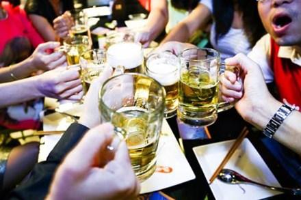 Năm 2017, Việt Nam sẽ cán mốc tiêu thụ 4 tỉ lít bia - ảnh 1
