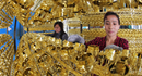 Giá vàng thế giới lập đỉnh, châu Á vẫn đủng đỉnh đón Tết