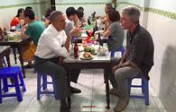 Quán bún chả đông nghịt khách sau bữa tối của Tổng thống Obama