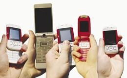 """Trào lưu điện thoại """"cục gạch"""" trở lại, lượng bán xấp xỉ smartphone"""