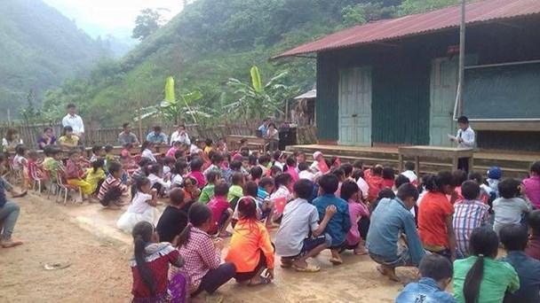 Lễ khai giảng tại điểm trường Liên Sơn, Trường tiểu học Số 1 Lang Thíp, Văn Yên, Yên Bái