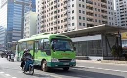 Cấm taxi, xe máy để nhường đường cho xe buýt nhanh có phạm luật?