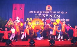 Mít-tinh kỷ niệm 85 năm Ngày thành lập CĐ Việt Nam và tặng kỷ niệm chương vì sự nghiệp xây dựng tổ chức CĐ