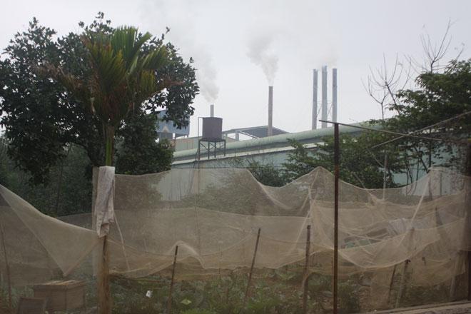 Vĩnh Phúc: Hàng loạt trẻ em thường xuyên phải nhập viện nghi do ô nhiễm từ nhà máy gạch