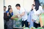 Công Vinh: Quả bóng vàng và bao gạo cho người nghèo