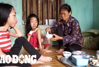 LDS15030: Thương người mẹ già một mình chăm hai con gái bại não