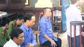 """Để """"lọt"""" 10 container hàng lậu hơn 26 tỉ đồng ở Sài Gòn: Vì sao nguyên cán bộ hải quan chỉ lãnh... án treo?"""