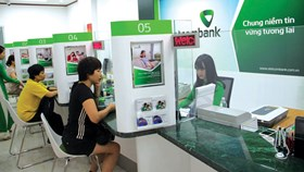 """Các ngân hàng đang """"bế tắc"""" trước áp lực tăng vốn"""