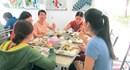 Bữa ăn giữa ca của công nhân: Quan tâm đến sức khỏe công nhân (bài cuối)