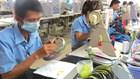 Hỗ trợ công nhân khi sản xuất khó khăn là trách nhiệm của doanh nghiệp