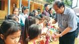 Chung tay hỗ trợ người dân vùng lũ