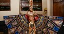 Siêu mẫu Ngọc Tình khoe trang phục truyền thống tại Đại sứ Hoàn vũ 2016