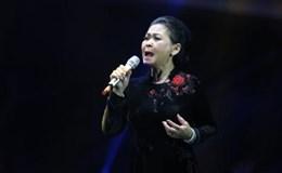 Khánh Ly khóc vì xúc động trong đêm nhạc Khánh Ly – Live concert in Sài Gòn