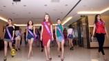 """Hoa hậu Hoàn vũ Thái Lan 2007 Farung Yuthithum """"cầm trịch"""" bán kết Hoa khôi Du lịch Việt Nam 2017"""