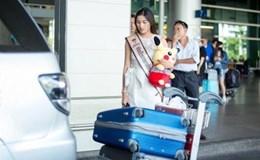 Nguyễn Thị Thành xinh đẹp, rạng rỡ xuất hiện tại sân bay