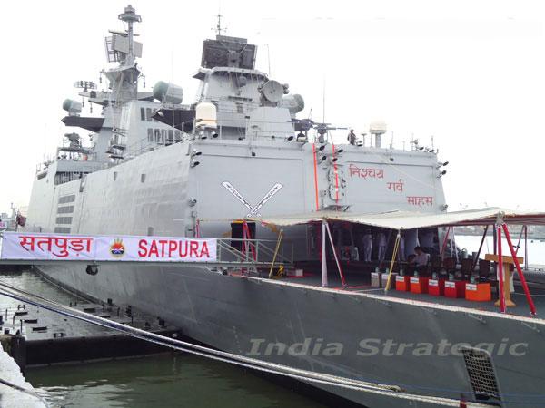 Biển Đông dậy sóng, tàu chiến Ấn Độ tới tập trận với các nước Đông Nam Á