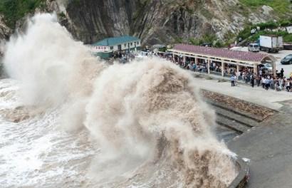 Trung Quốc phấp phỏng đối phó siêu bão mạnh nhất trong 66 năm