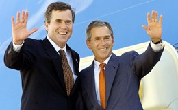 Bush anh ra tay giúp Bush em tranh cử