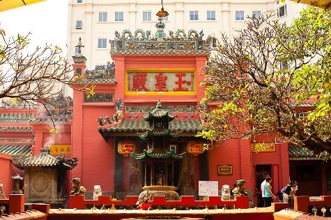 ngochoang WSIJ - Du lịch tâm linh đến những ngôi chùa nổi tiếng ở Sài Gòn