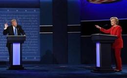 Donald Trump so găng nảy lửa với Hillary Clinton trong cuộc tranh luận đầu tiên