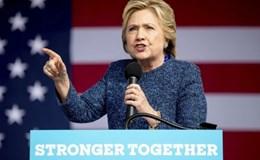FBI lại điều tra email của bà Clinton