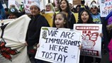 Thêm một tòa án liên bang chống lệnh nhập cảnh của ông Trump