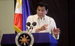 """Ông Duterte """"cao tay"""" đáp trả cáo buộc che giấu hàng chục triệu đô la"""