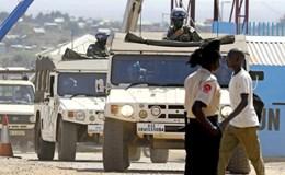 Nhật Bản muốn tặng xe quân sự cho Việt Nam
