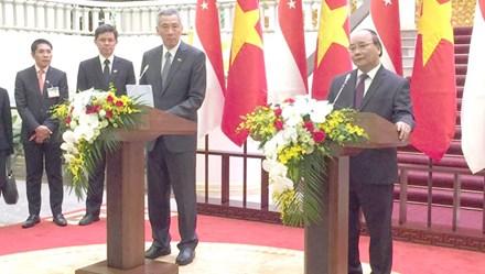 Việt Nam - Singapore ký kết 6 văn kiện hợp tác