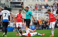 Nản vì hàng công tịt ngòi, HLV Wenger muốn tậu thêm chân sút