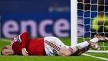 Man United nhận tin không vui về Rooney