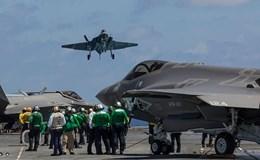 """Chùm ảnh: """"Siêu phẩm"""" F35 thử nghiệm hạ cánh trên tàu sân bay USS George Washington"""