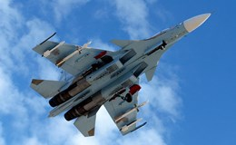 Iran mua máy bay Sukhoi tăng sức mạnh không quân