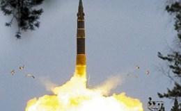 Tên lửa xuyên lục địa RS-12M Topol bắn trúng mục tiêu ở cách xa 5.700 km