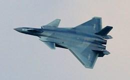 """Tiêm kích tàng hình J-20 lộ diện với """"áo mới"""" trên mạng xã hội"""