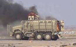Phiến quân phóng tên lửa bắn hạ hàng loạt xe của liên quân Arập