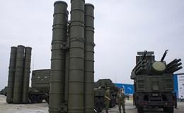 """Sau Moscow, Nga triển khai hệ thống tên lửa """"khủng"""" S-400 ở Crimea"""