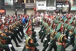 Video: Cận cảnh các đoàn diễu binh hùng tráng qua các tuyến phố ở Hà Nội