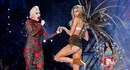 Xem lại màn trình diễn nóng bỏng nhất của thiên thần Victoria's Secret cùng Lady Gaga