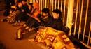 CĐV thức trắng đêm xếp hàng chờ mua vé trận Việt Nam - Indonesia