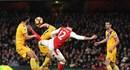 Giroud lập siêu phẩm Arsenal thắng Crystal Palace 2 - 0