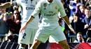 Thắng Granada 5 - 0, Real san bằng kỉ lục 39 trận bất bại của Barca