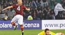 AS Roma giành chiến thắng tối thiểu trên sân của Udinese