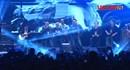 Các thành viên ban nhạc Bức Tường cùng nhau hát vang ca khúc tháng 12 dành tặng Trần Lập